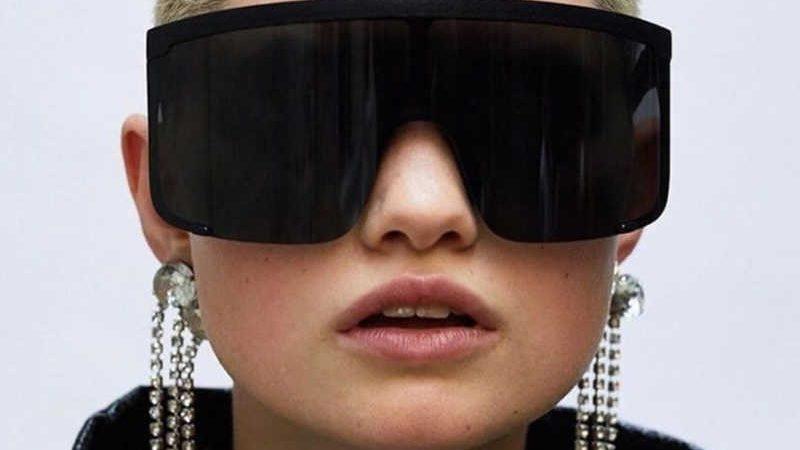 Очки 2020: что носить тем, кто плохо видит и кто хочет спастись от солнца