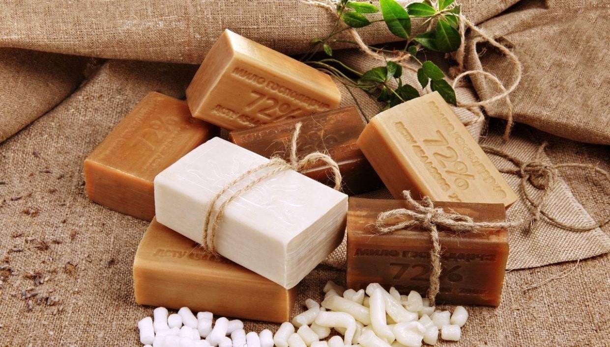 Хозяйственное мыло для волос: польза или вред?