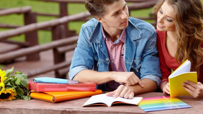 Как образование и карьера влияют на выбор спутника жизни