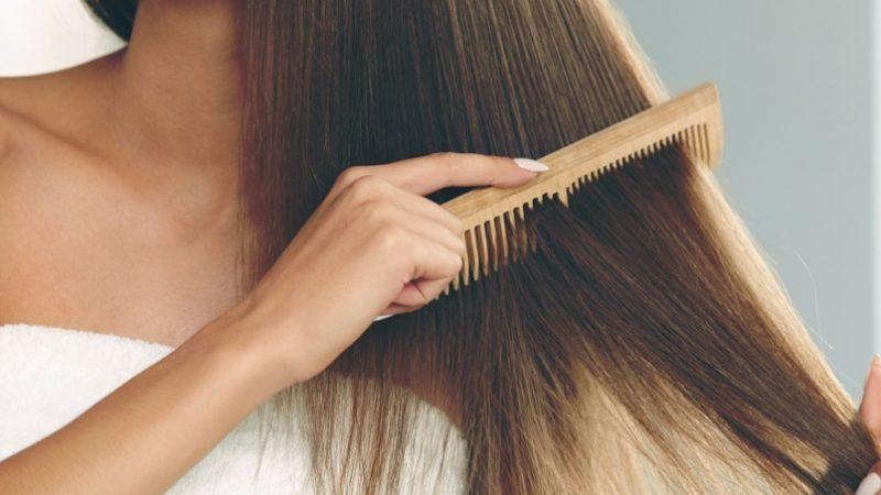 Мокрые волосы: сушить или сразу расчёсывать?