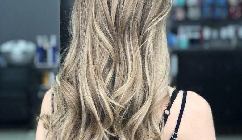 Что лучше: мелирование или окрашивание для волос