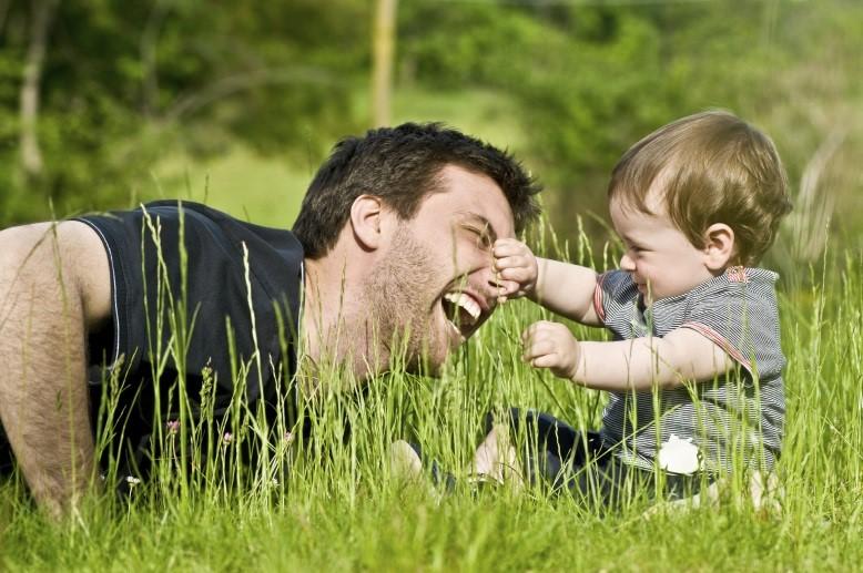 Женщина всему голова: как развить в мужчине отцовские инстинкты