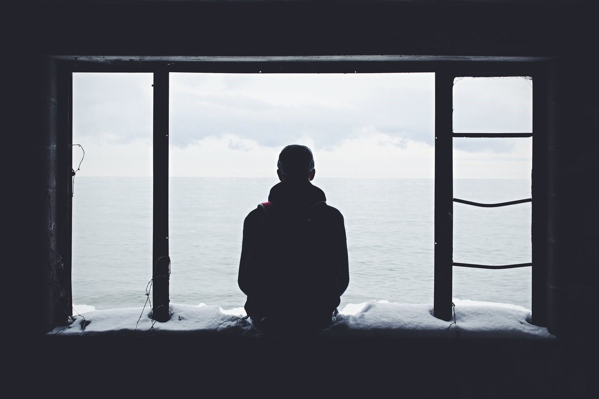 Что делать, если устали от одиночества: 10 советов психологов