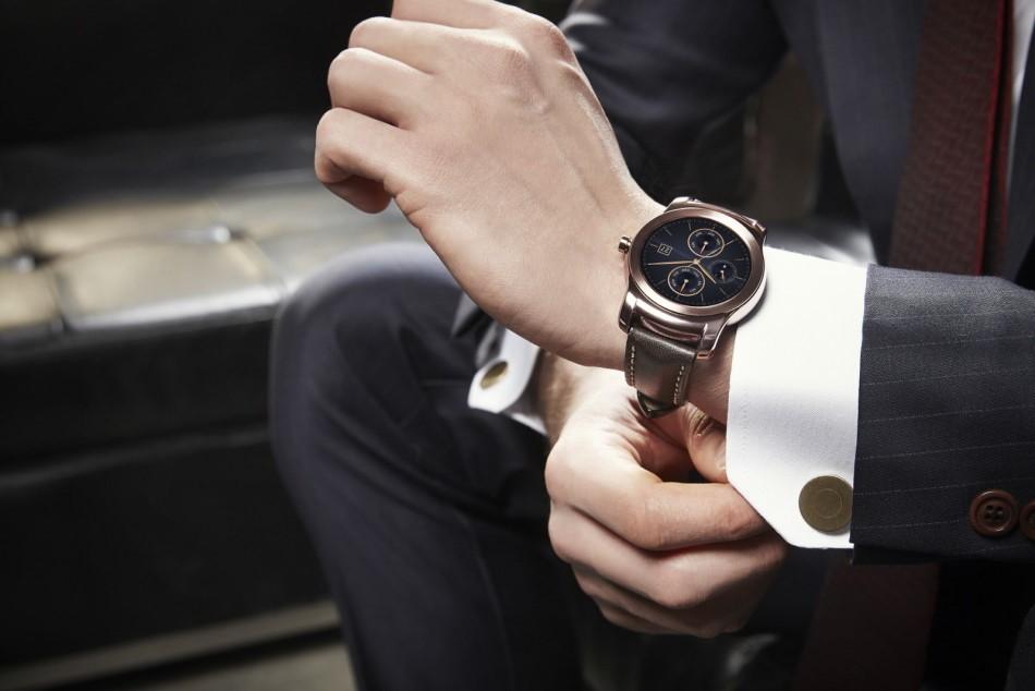 На какой руке носят часы: основные правила