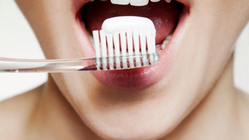 Советы специалистов по правильному отбеливанию зубов