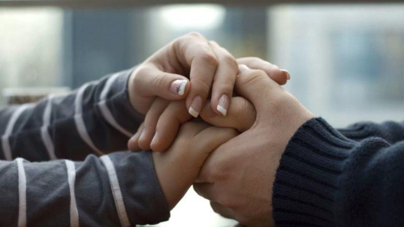 Как правильно поддержать любимого человека в трудную минуту