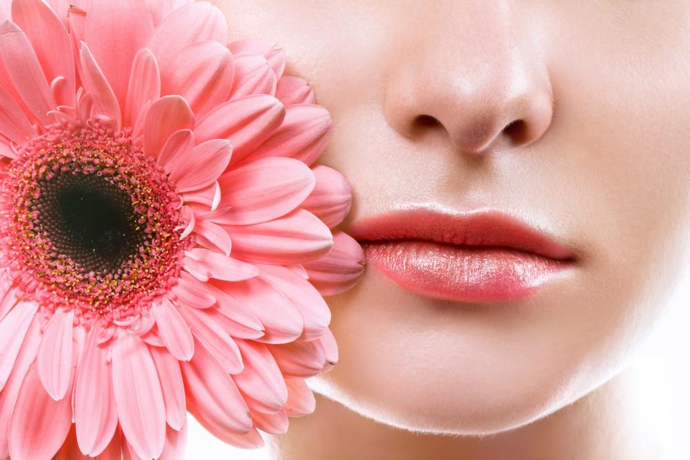 Зачем красивым губам растительное масло, массаж, творог