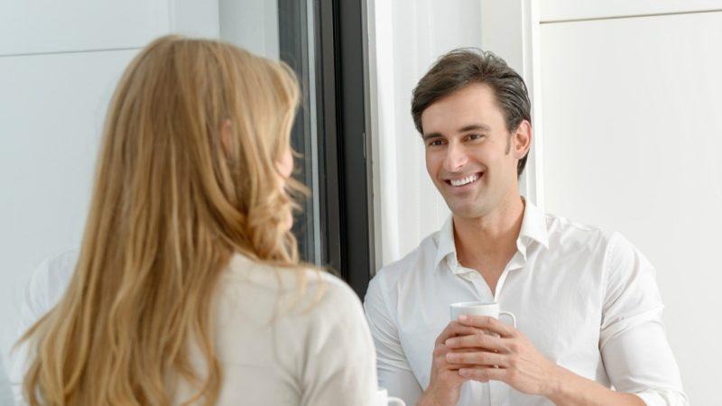 Как понять, что молодой человек испытывает симпатию к девушке