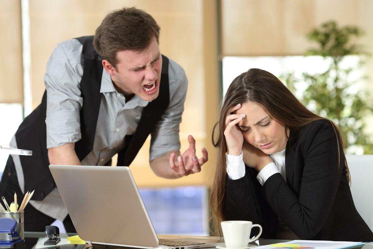 Как правильно вести себя в конфликтной ситуации: способы, которые помогут достойно ответить на оскорбления