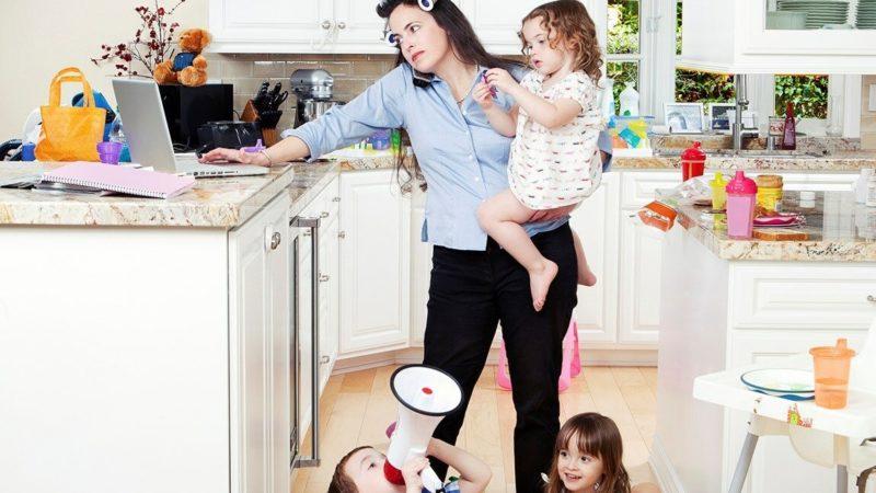 Почему молодые мамы не успевают выполнять обязанности