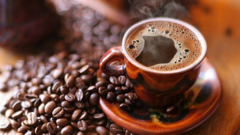 Как убрать налет от кофе на зубах народными и аптечными средствами