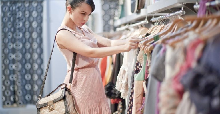 Сколько вещей должно быть в гардеробе, чтобы оставаться всегда стильной